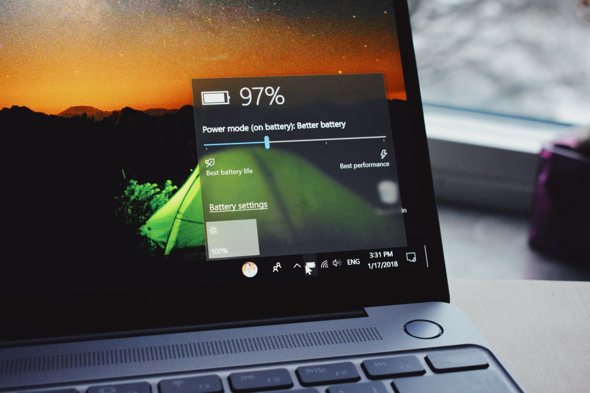 stan baterii w laptopie